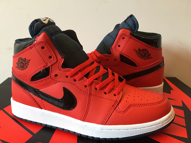 Air Jordan 1 Retro High black/red/white