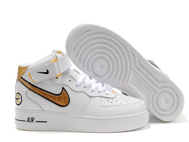 Nike Air Force 1 07 white/black/golden