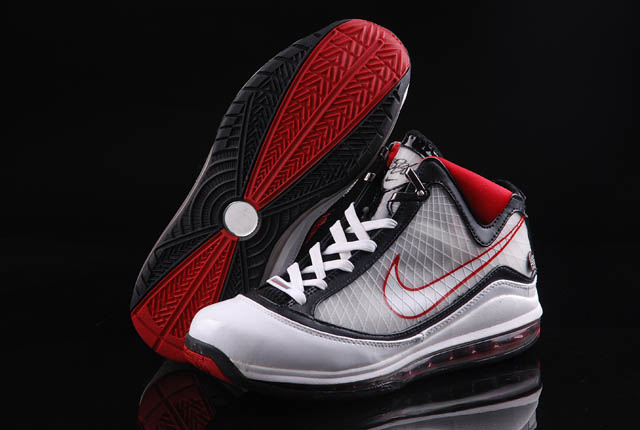 Nike Lebron 7 white/black/red IX
