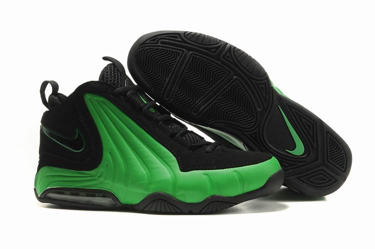 Nike Air Max Wavy Shoes black/green