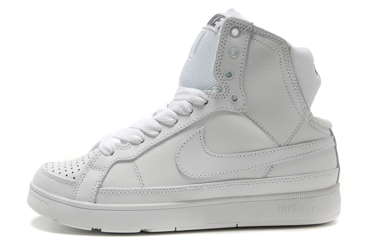 Nike Air Troupe Mid Shoes white
