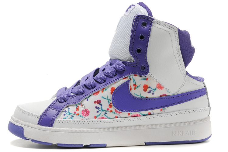 Nike Air Troupe Mid Shoes white/blueviolet/camo