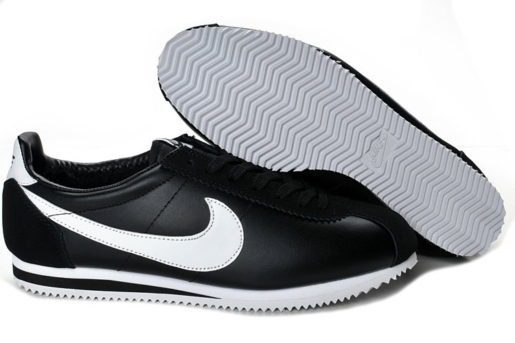 Nike Classic Cortez Shoes black/white II