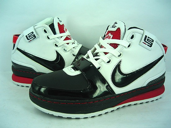 Nike James 6 black/white/red IV