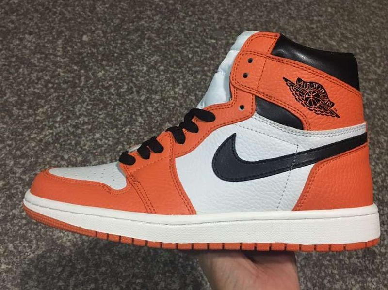 Air Jordan 1 Retro High black/white/orangered