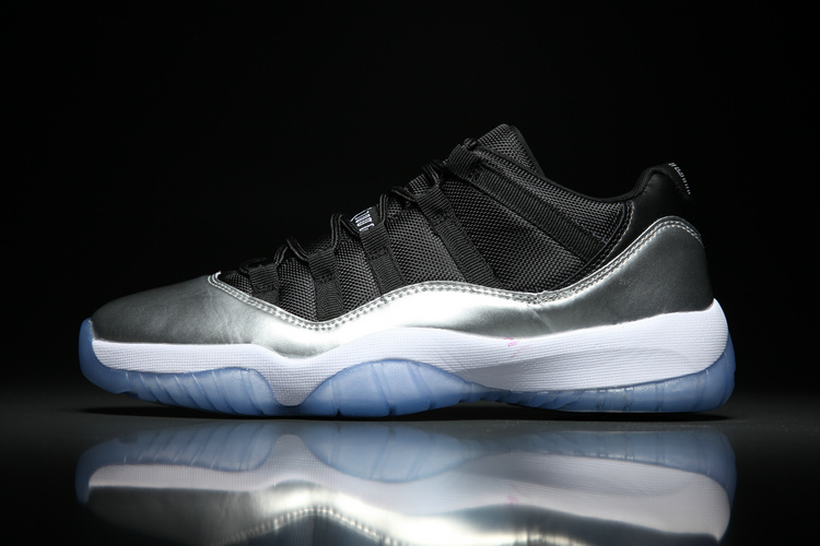 Air Jordan Retro 11 Low Dazzling silver